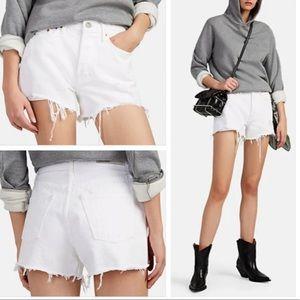 ⭐️Grlfrnd Helena White Jean Shorts Fray⭐️